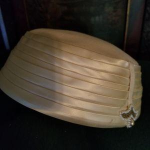 Harzfelds hat